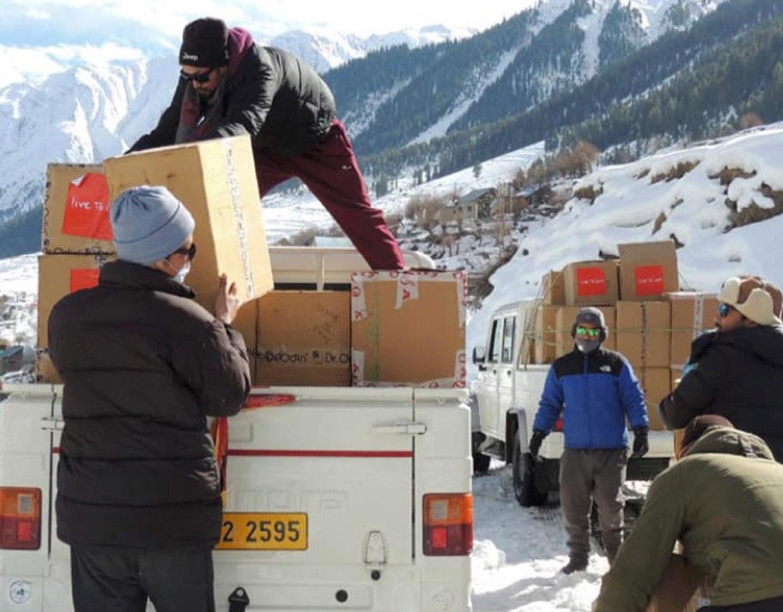 Packs de produits sanitaires distribués